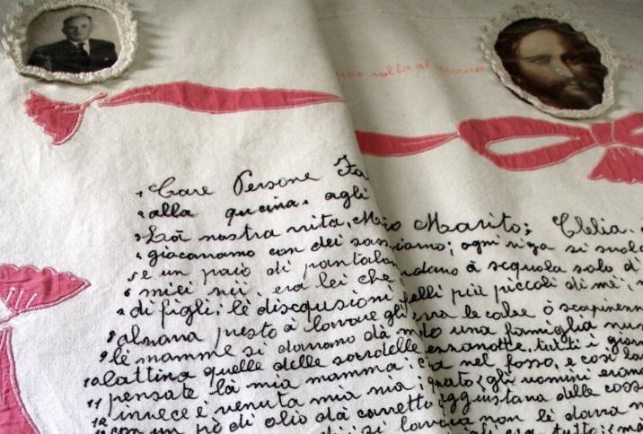 Il Lenzuolo di Clelia Marchi, oggi conservato al Piccolo Museo del Diario a Pieve Santo Stefano (AR)