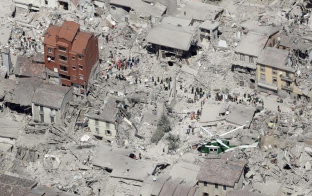 Amatrice dopo il terremoto del Centro Italia | foto Vigili del fuoco