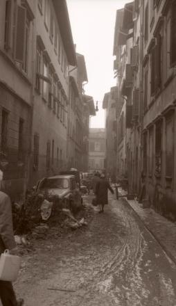 Il centro storico di Firenze nei giorni dell'alluvione del 1966 | © foto di Fausto Braganti