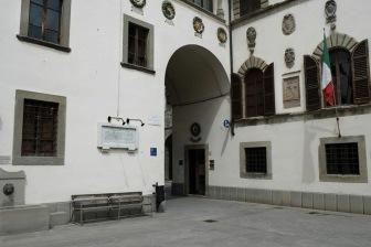 Piazza Plinio Pellegrini a Pieve Santo Stefano (AR), sede del Piccolo museo del diario