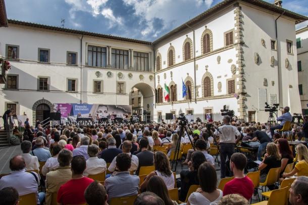 Piazza Plinio Pellegrini durante il Premio Pieve - foto di Luigi Burroni