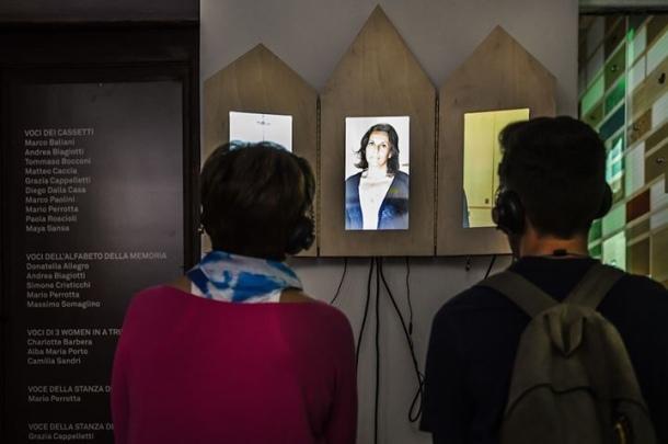 3 Women in a Triptych - video-installazione di Line Kühl e Giulia Ottaviano e a cura dei dotdotdot - foto di Luigi burroni